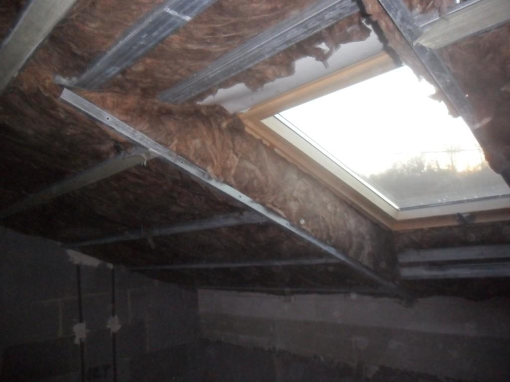 Gipszkarton tetőtér beépítés szigetelőanyaggal és gipszkartonnal