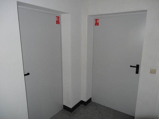Két féle tok vastagságban kapható. 75 és 87,5 cm.